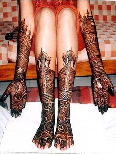 Exquisite Hand and Foot Mehndi Henna.OMG that Mehndi design is so beautiful! Henna Hand Designs, Indian Henna Designs, Bridal Henna Designs, Mehndi Designs For Hands, Henna Tattoo Designs, Mehandi Designs, Tattoo Ideas, Hand Mehndi, Leg Mehndi