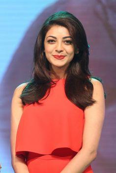 South Indian Actress Photo, Indian Actress Photos, Indian Actresses, Kajal Agarwal Saree, Bollywood Girls, Bollywood Actress, Most Beautiful Indian Actress, Gorgeous Women, Gorgeous Lady