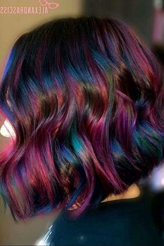 Oil slick hair this is so cool. I would never do it to my own hair but i Oil slick hair t Hair Color 2018, Cool Hair Color, Oil Slick Hair Color, Hair Colors, Purple Hair, Ombre Hair, Curly Hair Styles, Natural Hair Styles, Mermaid Hair