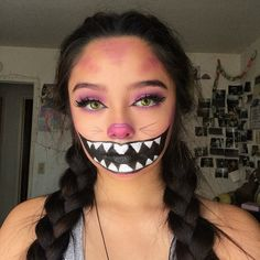 21 Freakishly Cool Halloween Make-up-Ideen die Sie stehlen möchten Cheshire Cat Makeup, Cheshire Cat Halloween, Creepy Halloween Makeup, Scarecrow Makeup, Halloween Inspo, Halloween Designs, Halloween Makeup Looks, Cheshire Cat Costume, Halloween Halloween
