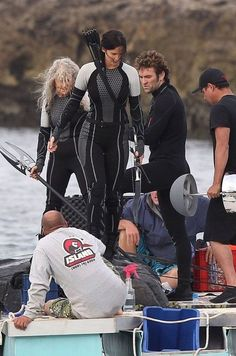 Behind the scenes photos of Hunger Games 2. But the real gold is the guy behind Jennifer, dat ass. - Imgur