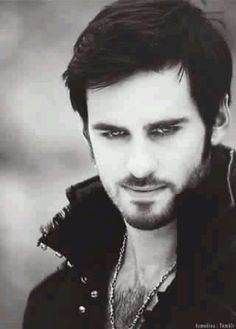 Oh My Dear Lord... Captain Hook from OUAT. Even with the guyliner, him's a hottie.