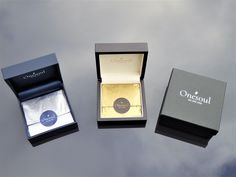 These are the Silver and Gold gift boxes that your Onesoul Pendants will arrive in Gold Gift Boxes, Gold Pendants, Usb Flash Drive, Wallet, Silver, Gifts, Pocket Wallet, Money, Diy Wallet