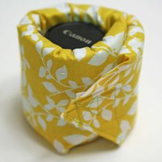 Lens Cozy Tutorial - Melly Sews So much easier to make than an insert with padded dividers...and you are not stuck with a set configuration.  Gotta try this, and soon!