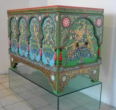 Hand Painted Furniture, Cool Furniture, Arabesque, Objets Antiques, Moorish, North Africa, All Art, Oriental Rug, Decoration