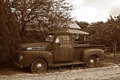 reminds me of my grandpas old Mack truck!!