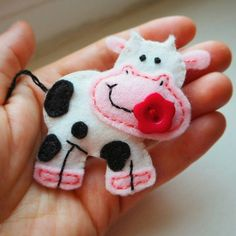 Betsy cow felt pin  Cow brooch  100% wool felt farm animal