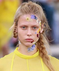 Florals for spring? Groundbreaking... especially when they're on your face as seen at @preenbythorntonbregazzi today at #LFW —@chrissyford