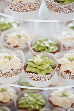 Beautiful cupcakes from Ara and Yoko's Green and White Garden Wedding. http://www.theweddingscoop.com/entry/ara-and-yoko-s-green-and-white-garden-wedding-at-burkill-hall