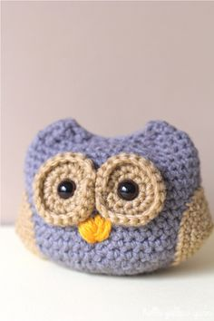 Dusk the Baby Owl - Free Amigurumi Pattern here: http://helloyellowyarn.com/2014/06/30/dusk-the-baby-owl-free-crochet-pattern/