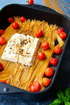 One Pot Spaghetti, One Pot Pasta, Feta Pasta, Pasta Food, Vegan Recipes, Cooking Recipes, Low Carb Protein, Creative Food, Easy Cooking