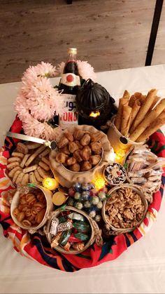 Eid Crafts, Ramadan Crafts, Ramadan Decorations, Diy Arts And Crafts, Preparing For Ramadan, Arabian Party, Ramadan Activities, Ramadan Recipes, Happy Eid