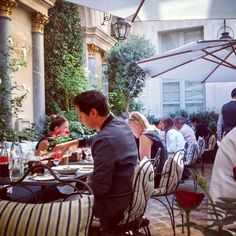 Terraza restaurant Ralph's in Paris www.fustaiferro.com  Muebles de forja. #decoracion #hosteleria #restaurant #fustaiferro #Paris #diseño #terraza