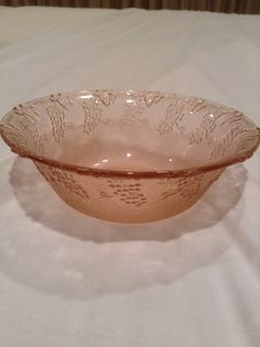 Vintage pink Depression glass in grape and leaf pattern 7 inch diameter 2 1/4 inches tall