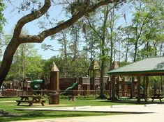 Orange Beach Waterfront Park - with a 400' fishing pier, covered pavilions and seating, picnic shelters and grills. Picnic time!