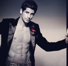 Whhhhyyyy is he soo attractive??!! #sidharth malhotra #stardust