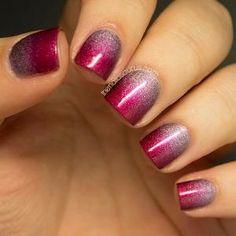 Bonito vermelho cereja esponja sobre o que eu acho que é uma cor lilás holográfica - Realmente bonito!  A arte mais criativa Nails você já viu por Yem