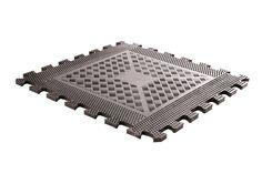 Rubber floor tile  Description: De Rubber floor is perfect voor de Free-Weight ruimte! \\n Deze tegels hebben een hoge dichtheid van het rubber met ant-slip relief waardoor dumbbells schijven apparaten en ondervloer beschermd blijven. De randen en hoeken hebben een afloop waardoor je niet kunt vallen. \\n Geschikt voor intensief commercieel gebruik. \\n De Rubber floor bestaat uit de volgende elementen: \\n - Rubber floor mat - afmeting: L500mm x B500mm x H10mm - Rubber floor edge…