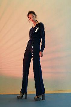 http://www.vogue.com/fashion-shows/pre-fall-2017/huishan-zhang/slideshow/collection