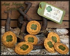 Primitive St. Patricks Day Lucky Horseshoe by auntmannyscreations