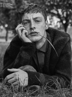 Roberto Sipos Models Tartan Trends for GQ Spain November 2018 Issue Portrait Photography Men, Photography Poses For Men, Editorial Photography, Male Fashion Photography, Male Models Poses, Male Poses, Boy Poses, Gq, Creative Portraits