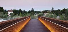 LED Linear > Projects > Pedestrian walkway, Pamplona