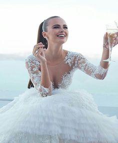 50711f54f Model: Xenia Deli; pinner: George Pin Šaty Pro Nevěsty, Ohromující Svatební  Šaty