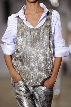 friday look: preppy glam. friday look: preppy glam. silver The post friday look: preppy glam. appeared first on Fashion Chic. Look Fashion, Womens Fashion, Fashion Trends, Mode Cool, Mein Style, Glamour, Inspiration Mode, Preppy Outfits, Bar Outfits