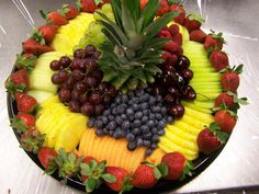 raw vegetable tray fresh fruit tray fruit and cheese tray New Fruit, Fresh Fruit, Fruit Art, Colorful Fruit, Exotic Fruit, Dessert Tray, Veggie Tray, Vegetable Trays, Veggie Display