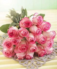 Pink Roses Hand Bouquet perfect for mothersday say it on her special day with these beautiful roses Book your order now Visit our website in bio: Explore all our special floral, cakes and chocolates arrangements for all occasions. Beautiful Rose Flowers, Beautiful Flower Arrangements, Amazing Flowers, Pink Flowers, Beautiful Flowers, Rose Delivery, Flower Delivery, Orquideas Cymbidium, Rosa Rose
