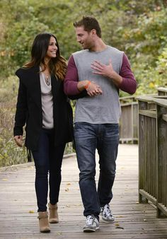 Andi Dorfman and Juan Pablo Hold Hands at the Park in The Bachelor Season 18, Hometown Dates