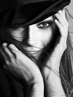 Portrait - Fashion - Editorial - Hat - Close-up - Black and White - Photography - Pose