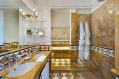 Bathrrom of a Prestige room