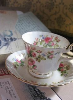 Luv this.. Old china is gorgeous