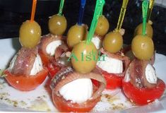 Aperitivos - Yak Tutorial and Ideas Tapas Bar, Tapas Dinner, Finger Food Appetizers, Appetizers For Party, Appetizer Recipes, Antipasto Tray, Lunch Buffet, Appetisers, Caramel Apples