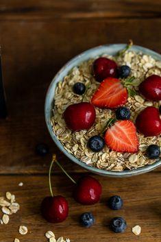 Organic Recipes, Acai Bowl, Oatmeal, Breakfast, Food, Acai Berry Bowl, The Oatmeal, Morning Coffee, Rolled Oats