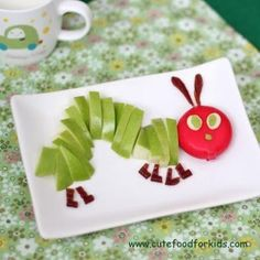 Hungry Caterpillar Fruit and Cheese Snack.  gonna have to do this for The Steve, his favorite childrens book!