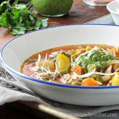 Healthy Low Carb Chicken Minestrone Soup via @lowcarbmaven