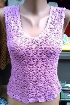Crocheted shell top  -  has graphs