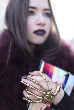 Paris Fashion Week street style [Photo by Kuba Dabrowski] fuckin ridiculous Fashion Photo, Paris Fashion, Hand Bracelet With Ring, Fashion News, Fashion Models, Skeleton Hands, Girls Best Friend, Dior, Chanel
