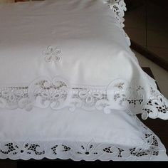 Hotel Bed Sheets, Linen Bed Sheets, Linen Bedding, Cutwork Embroidery, Embroidery Designs, Bed Cover Design, Sewing Room Decor, Cotton Bedding Sets, Linens And Lace