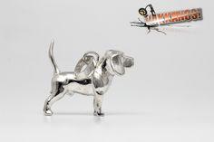 Vakkancs miniszobor kutyás ékszerek - Beagle ezüst miniszobor medál Beagle Dog Breed, Hungary, Sterling Silver Pendants, Dog Breeds, Lion Sculpture, Jewels, 3d, Artist, Handmade