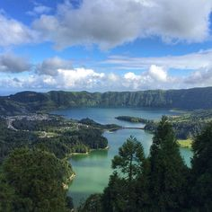 Highlights of Hiking on the Azores Islands | Via Stop Having a Boring Life Blog | 3/10/2014 To say these islands are beautiful would be an understatement, same goes if I were to say they were peaceful when in fact they are serene. There are nine islands in this archipelago and I had the pleasure of vising Sao Miguel, S. Jorge, Faial and Pico; they are all offer similar scenery but with their own unique vibe. #Portugal Photo:green_lake_blue_lake_azores_islands