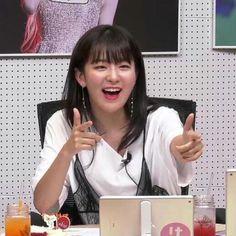 South Korean Girls, Korean Girl Groups, Park Sooyoung, Kang Seulgi, Red Velvet Seulgi, Girl Cakes, Kpop, Meme Faces, Cool Girl