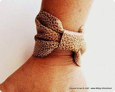 Scuola di moda fai da te: il braccialetto di ecopelle