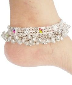 The Classic Indian Pazeb : Stunning Designer Anklets - Fashion Jewellery Style Hacks