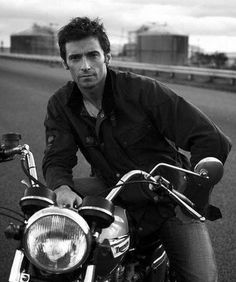 Hugh Jackman - Moto  Combinaison parfait ; perfect combination