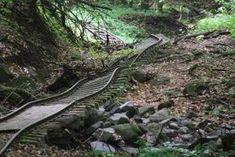 Az Északnyugati-Börzsöny legszebb, legváltozatosabb túraútvonala a kemencei kisvasút végállomásától,... Budapest Hungary, Homeland, The Good Place, Beautiful Places, Hiking, Europe, Camping, World, Nature