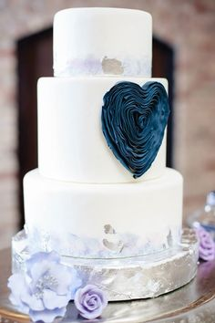 Daily Wedding Cake Inspiration. To see more: http://www.modwedding.com/2014/08/19/daily-wedding-cake-inspiration-8/ #wedding #weddings #wedding_cake