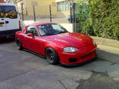 Miata+NB+Turbo | biker647: there's a self made bracket attached to the bumper in that ...